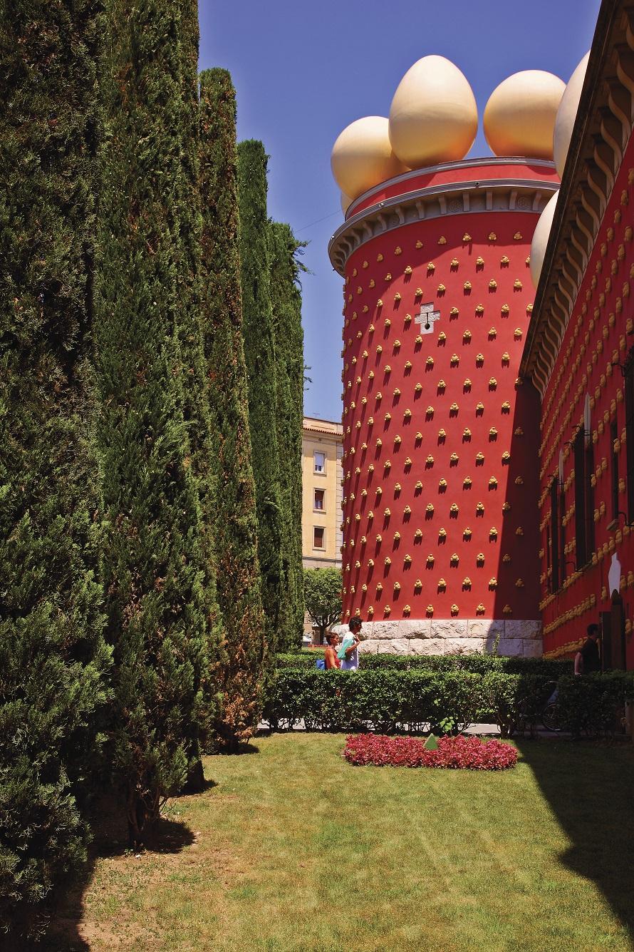 Costa Brava - Cultura - Alt Empordà - Figueres - Museu Dalí, fora © ACT. Lluis Carro