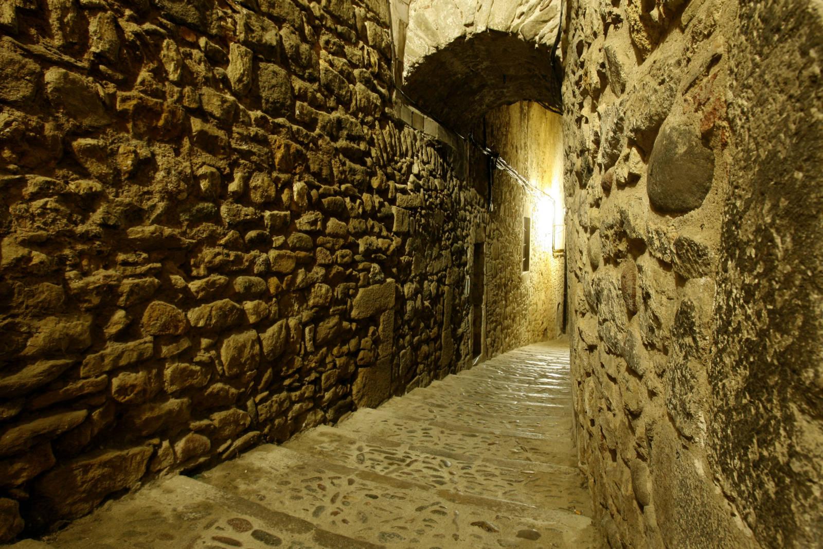 Nacht im Call von Girona © Aniol Resclosa. Patronat Call de Girona